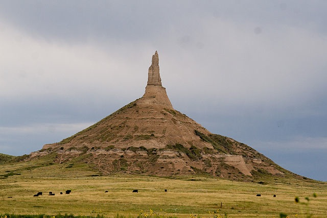 640px-Chimney Rock NE